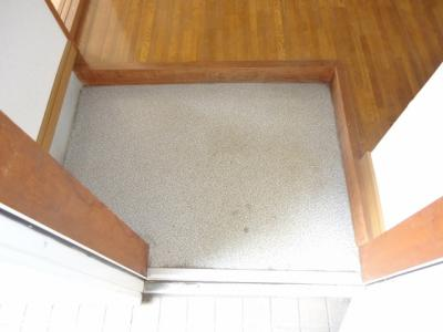 玄関(写真はイメージです)