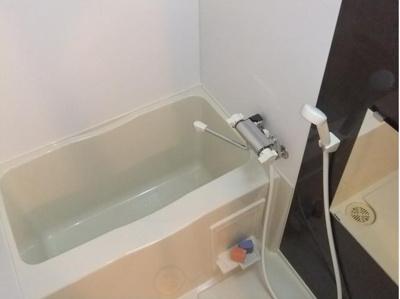 ゴッドフィールド西台の日々の疲れを癒すお風呂付です☆
