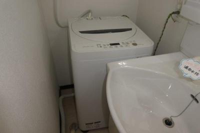 洗濯機置き場(洗濯機は撤去可)