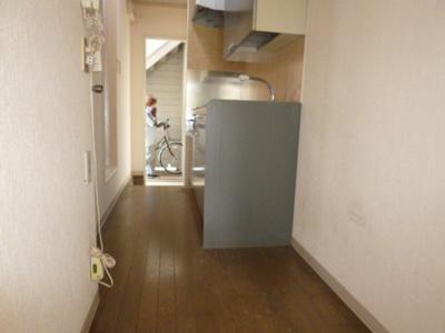 【キッチン】キャフェフロール(南向き)