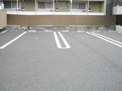 【駐車場】リアルコートD