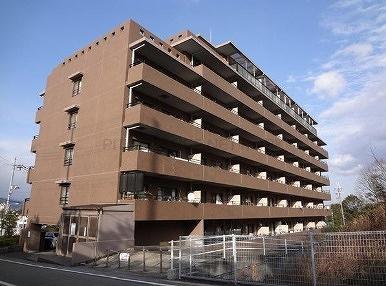 【現地写真】 鉄筋コンクリート造♪8階建マンション♪  総戸数56戸の大型分譲マンション♪