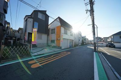【前面道路含む現地写真】西区東久保町 新築戸建て