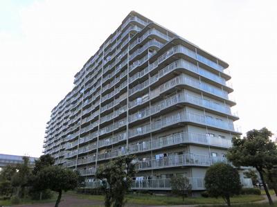 【現地写真】  総戸数212戸のマンションです♪