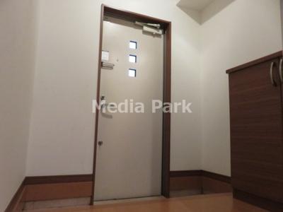 【玄関】ルミナスパレ