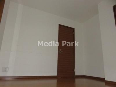 【寝室】ルミナスパレ