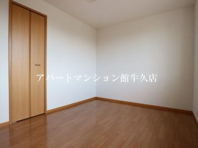 【寝室】グリシーヌ・パレ