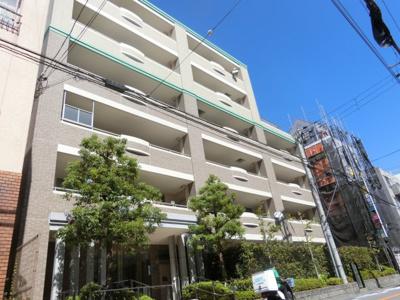 【現地写真】 鉄筋コンクリート造の48戸のマンションです♪