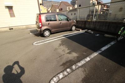 【駐車場】ファミーユ正起