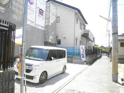 5月25日撮影 前面道路を含む販売現地