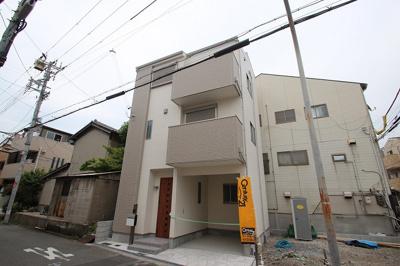現地のお写真です。これからお家が建っていくのを想像すると楽しみですね♪ A号地は完成していますので、中も見ていただけますよ♪