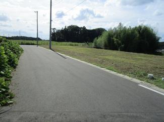 グランファミーロ八千代緑が丘J 八千代緑が丘駅 南東側約6mの公道に接道。北西側約5mの公道に接道。
