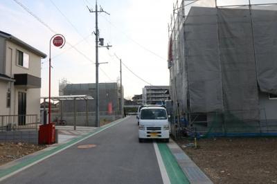 前道幅約6mで駐車もラクラク(平成31年3月撮影)