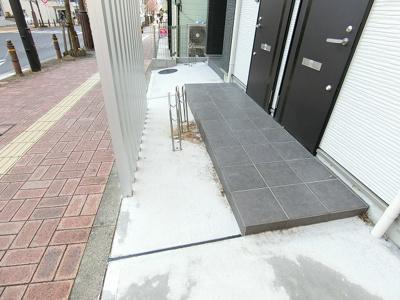 【エントランス】ブエナメゾン福生C