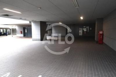ローレルタワーサンクタス梅田 駐車場