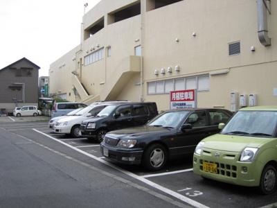 コモディイイダ月極駐車場