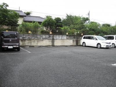 エモリ駐車場