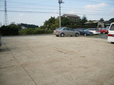 東坂戸光駐車場