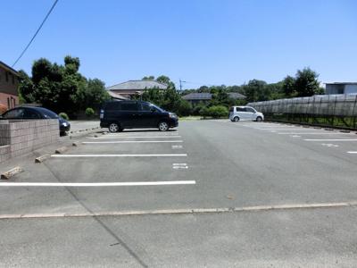 【駐車場】サンライフ市の玉B