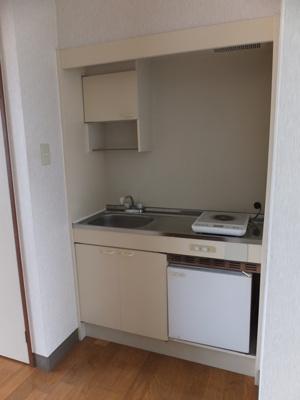 キッチンを巾165㎝の2口ガスコンロが設置できるタイプへリフォーム可能です。その場合の賃料は38,000円です。