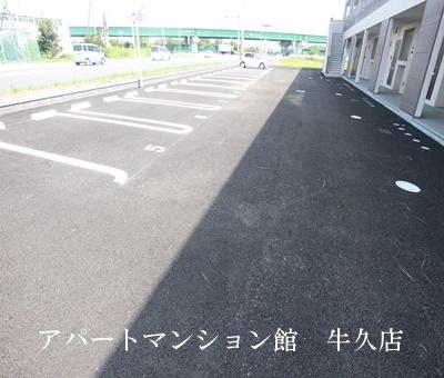 【駐車場】エスカーザ