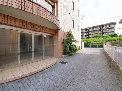 駐輪スペースもあります