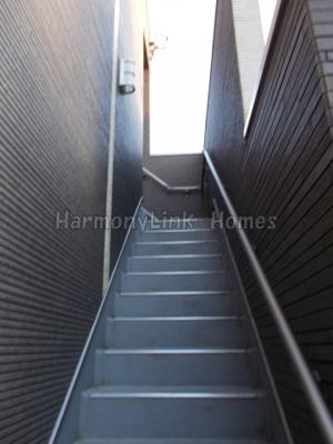 ハウス中野坂上の階段☆
