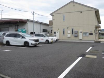 【駐車場】コモド社前