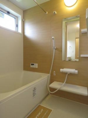 【浴室】コモド社前