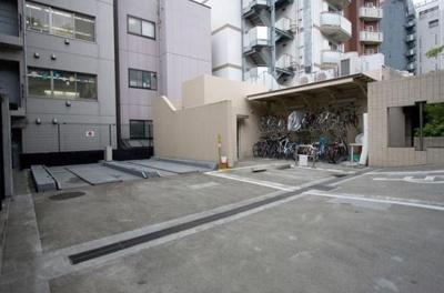 レジディア恵比寿2の駐車場