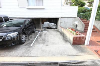 テラスハウスN&I 駐車場