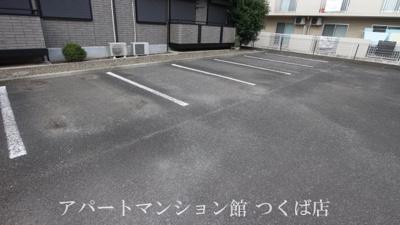 【駐車場】サリーヒルズ A棟