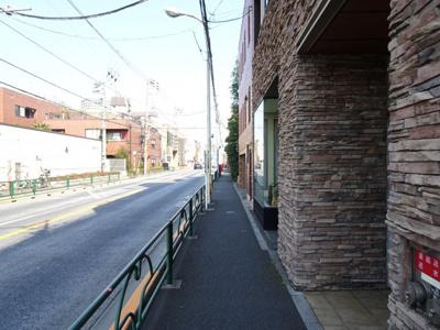 高遠レジデンス上野桜木 物件前