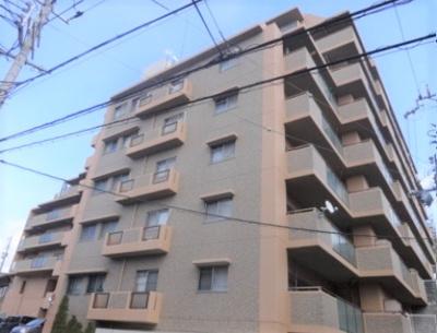 【現地写真】 鉄筋コンクリート造の8階建♪ 陽当たりに良いマンションとなっております♪