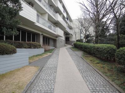 【エントランス】インペリアル東白楽ガーデンハウスB棟