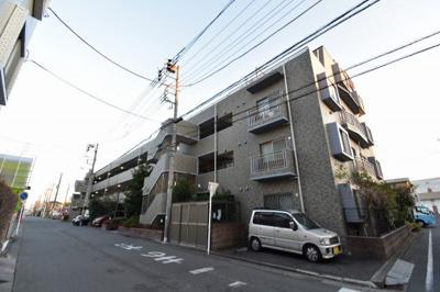 東急東横線「日吉」駅徒歩16分。