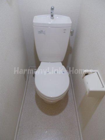 ソルフィー高島平の清潔感のあるトイレです
