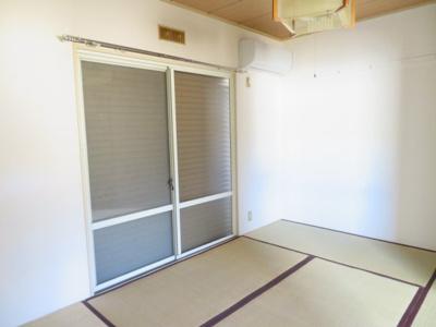 6帖 同タイプの別の部屋の写真です