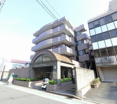 横浜市営地下鉄ブルーライン「新羽」駅徒歩9分と好立地。