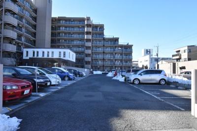 コスモ鴻巣ロイヤルフォルム 敷地内駐車場