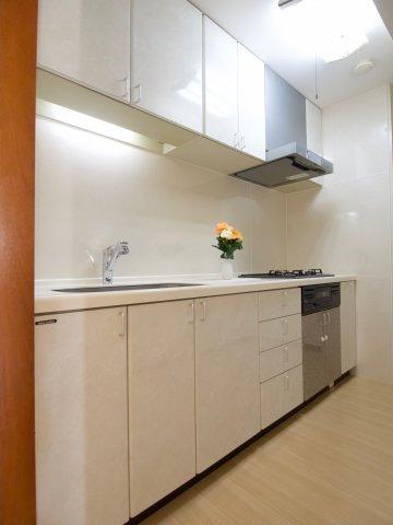 調理スペースも広々としたキッチンです!!