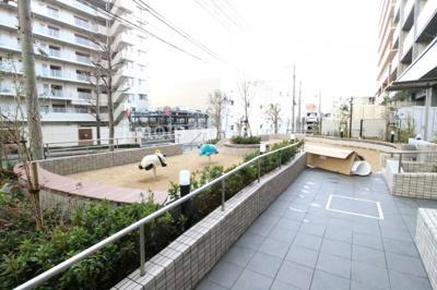 敷地内公園江D巣