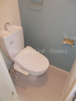 ハーモニーテラス赤羽西の清潔感のあるトイレです