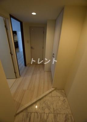 【玄関】ロイジェント新橋