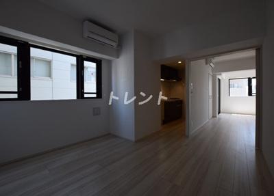 【居間・リビング】ロイジェント新橋