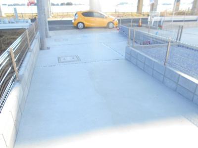 車をお持ちの方に嬉しい駐車場付きの物件です。2250から2080万円に価格変更。