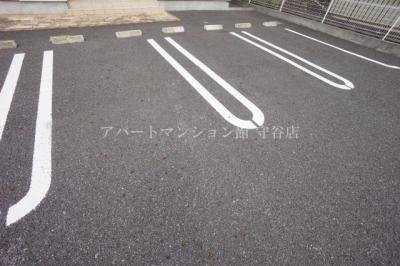 【駐車場】イストワールⅢ