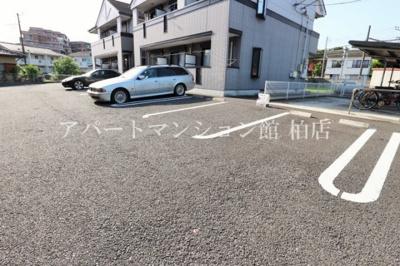 【駐車場】シャルマンⅡ