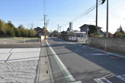 【前面道路含む現地写真】鴻巣市原馬室 新築一戸建て全1棟