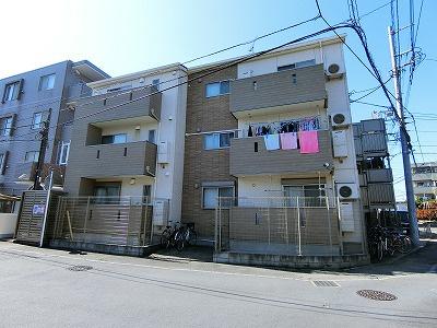 小田急線「向ヶ丘遊園」駅にアクセス可能な最寄りバス停徒歩3分!楽器・ペットOKの3階建てアパートです♪